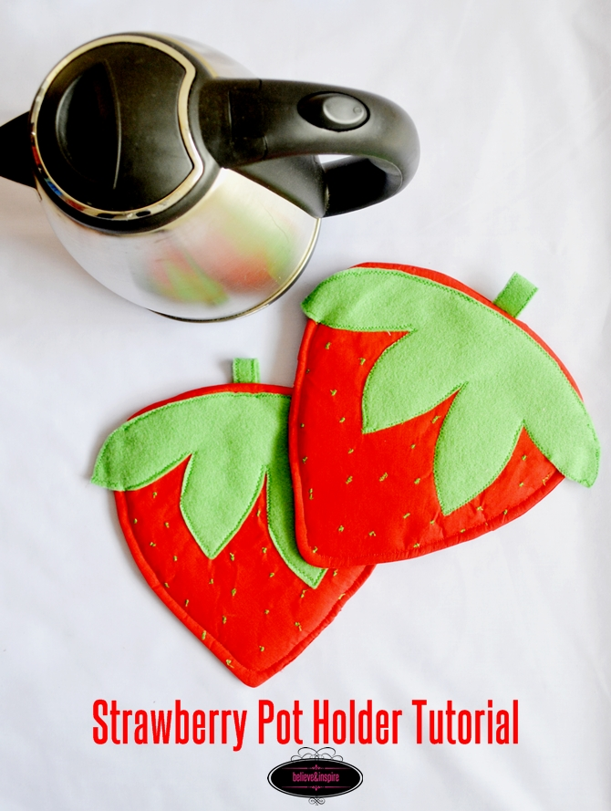 How to sew strawberry pot holders on sewsomestuff.com. Looking for a perfect gift idea for someone who just LOVES to cook and spend time in the kitchen? Make these super cute strawberry pot holders so that your loved one would always be reminded of you. FREE pattern and tutorial. READ NOW!