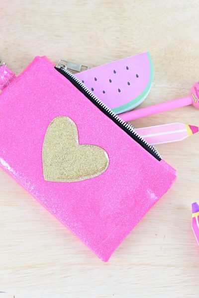 10 Minutes Glitter Vinyl Zipper Pouch Tutorial with Tips