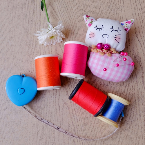 sewing room decor | thread storage | thread organization ideas |